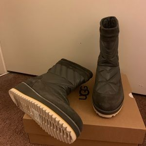 NIB UGG Beck Waterproof Boots